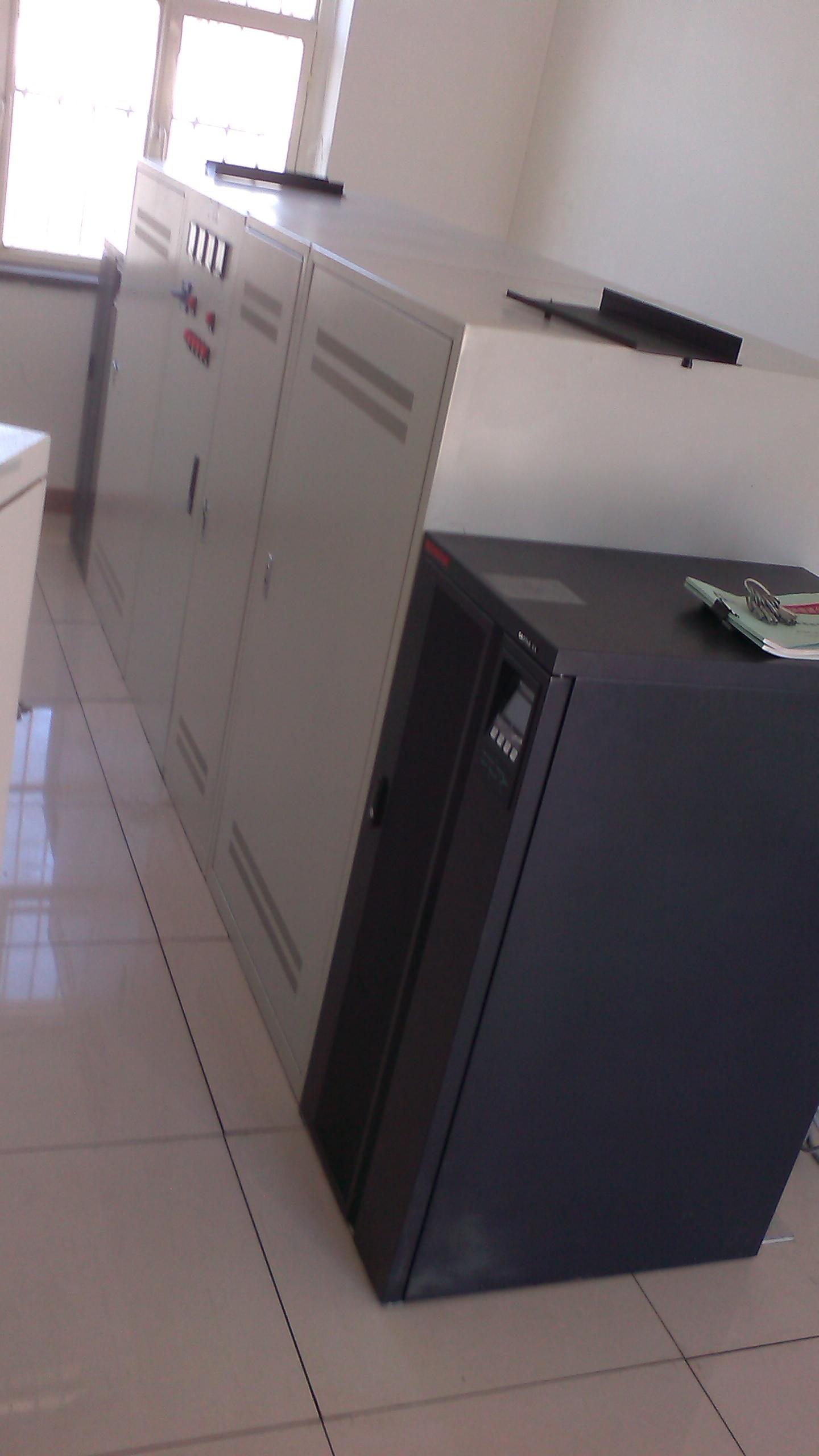 天津大港单位安装UPS电源松下电池一套